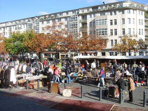 flohmarkt am rathaus sch neberg shopping berlin. Black Bedroom Furniture Sets. Home Design Ideas