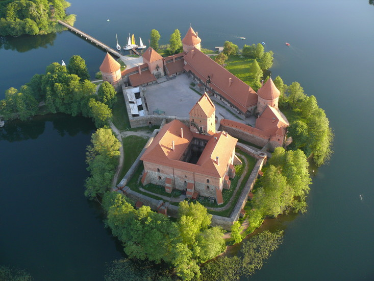 Trakai Destination City Guides By In Your Pocket