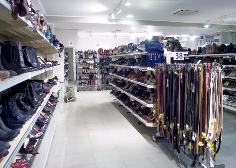 Il salvagente shopping milan for Outlet near milan