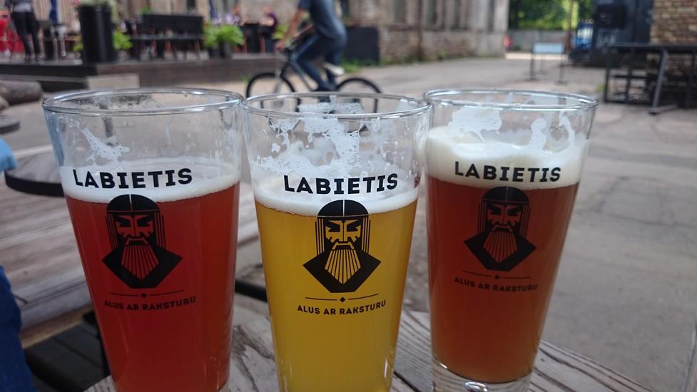 Bars, Pubs & Clubs