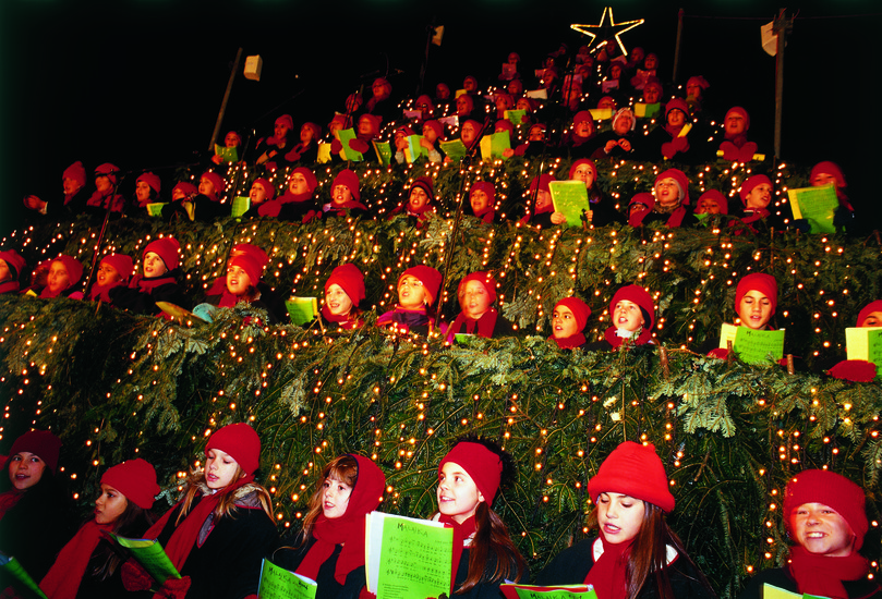Singing Christmas Tree.Singing Christmas Tree Christmas In Zurich Zurich