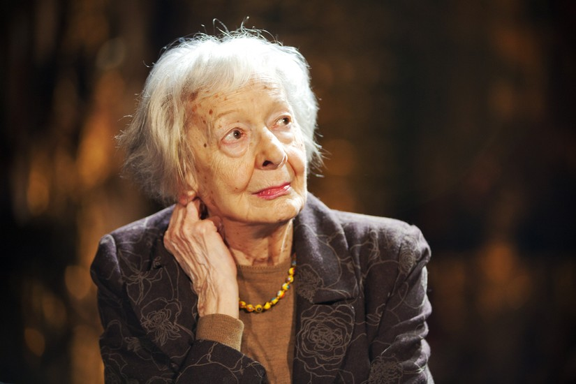 wislawa syzmborska Here by wislawa szymborska, 9780547592091, available at book depository with free delivery worldwide.