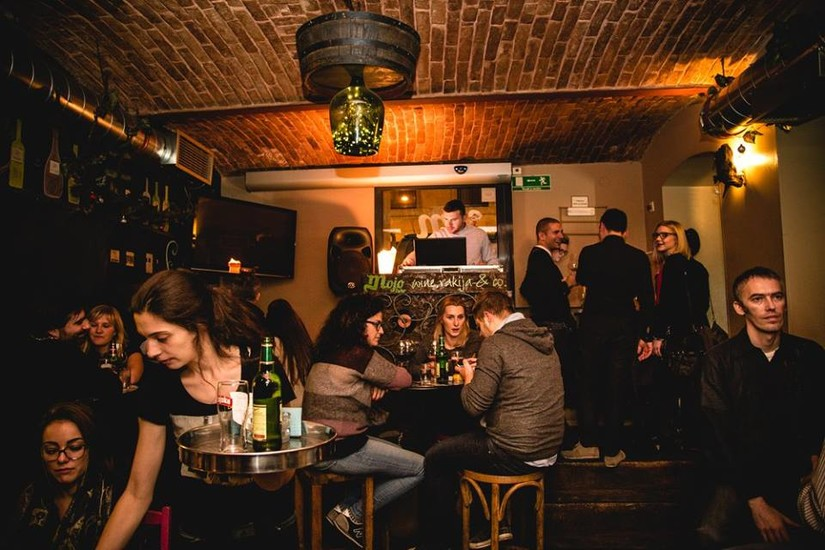 Mojo bar wine rakija co nightlife zagreb for Mojo restaurant