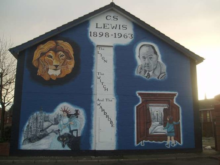 Cs lewis mural what to see belfast northern ireland for Mural northern ireland