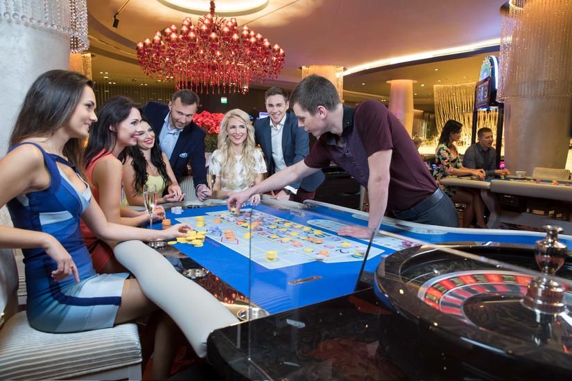 Таллин казино рулетка авто джеймса бонда из казино рояль