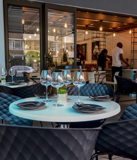Le wine chambre nightlife johannesburg for Chambre wine