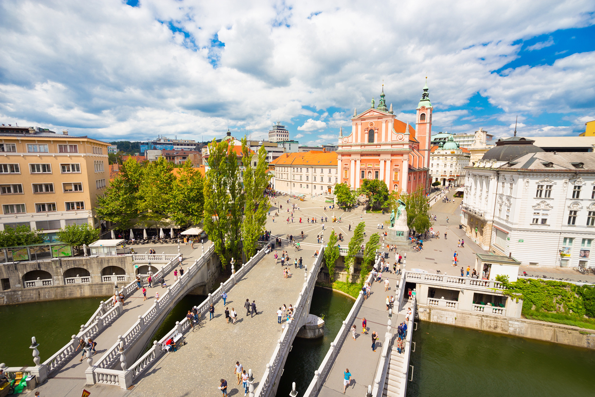 Ljubljana travel guide by in your pocket best free city for Design hotel slowenien