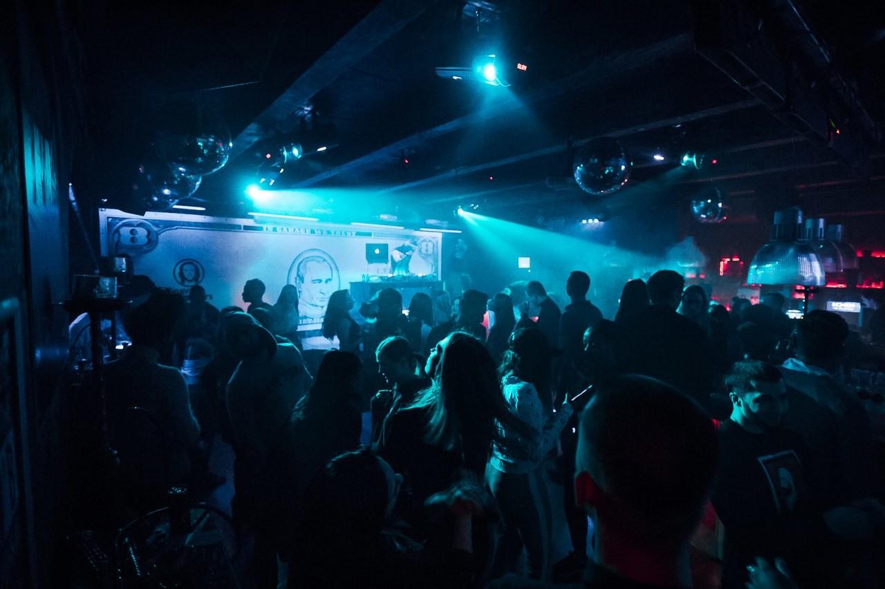 Клубы гараж москва гламурный клуб в москве