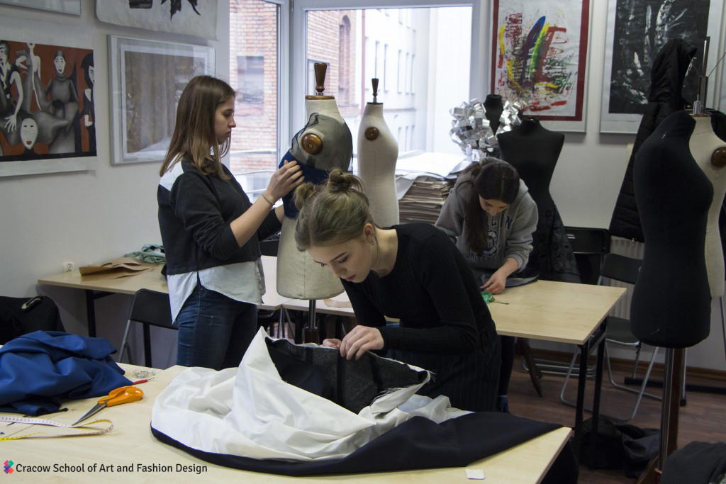 Cracow School Of Art Fashion Design Workshops Krakow Activities Leisure Krakow