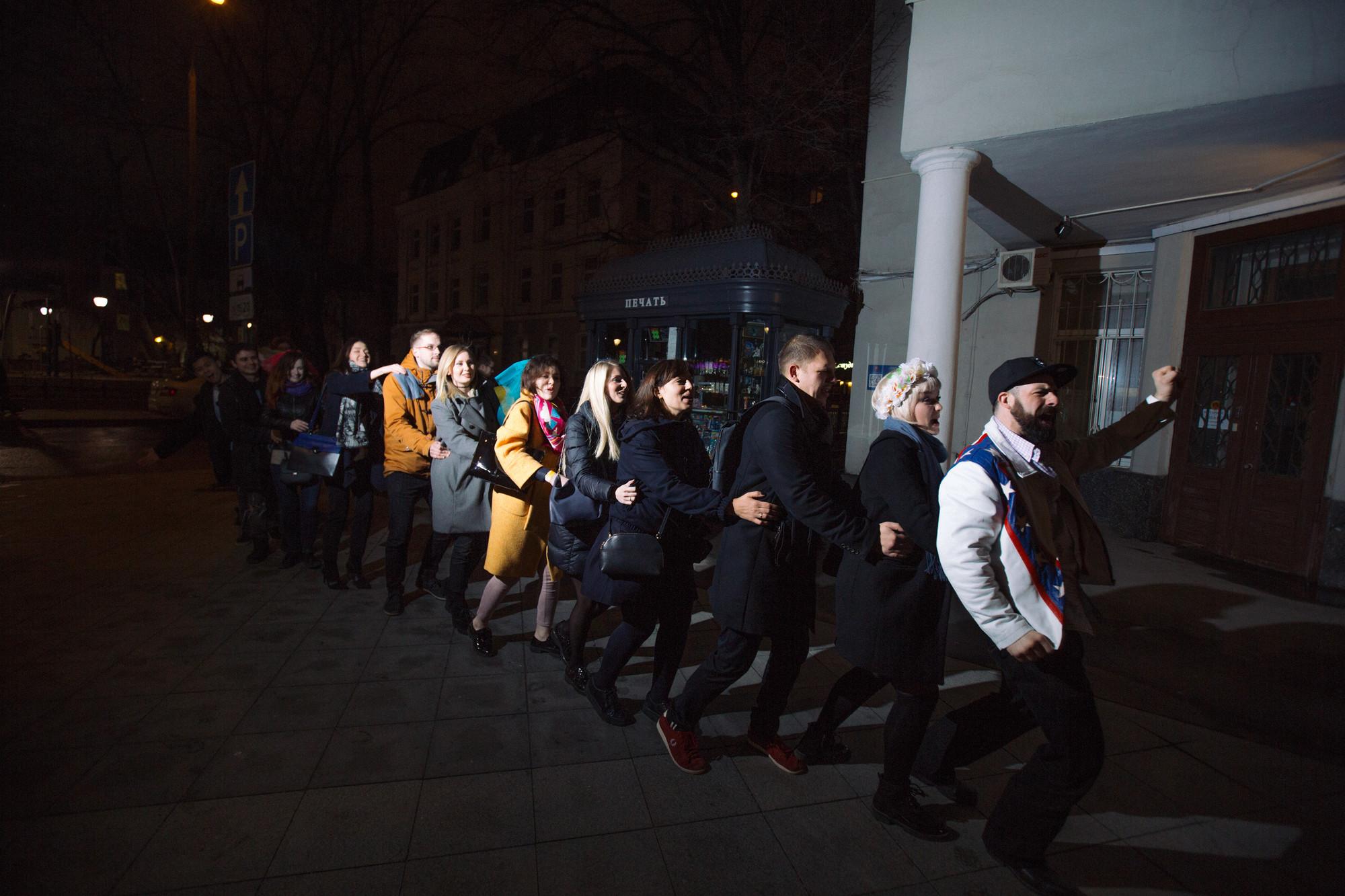 Клубы в москве где можно познакомиться хороший клуб москва чтобы потанцевать
