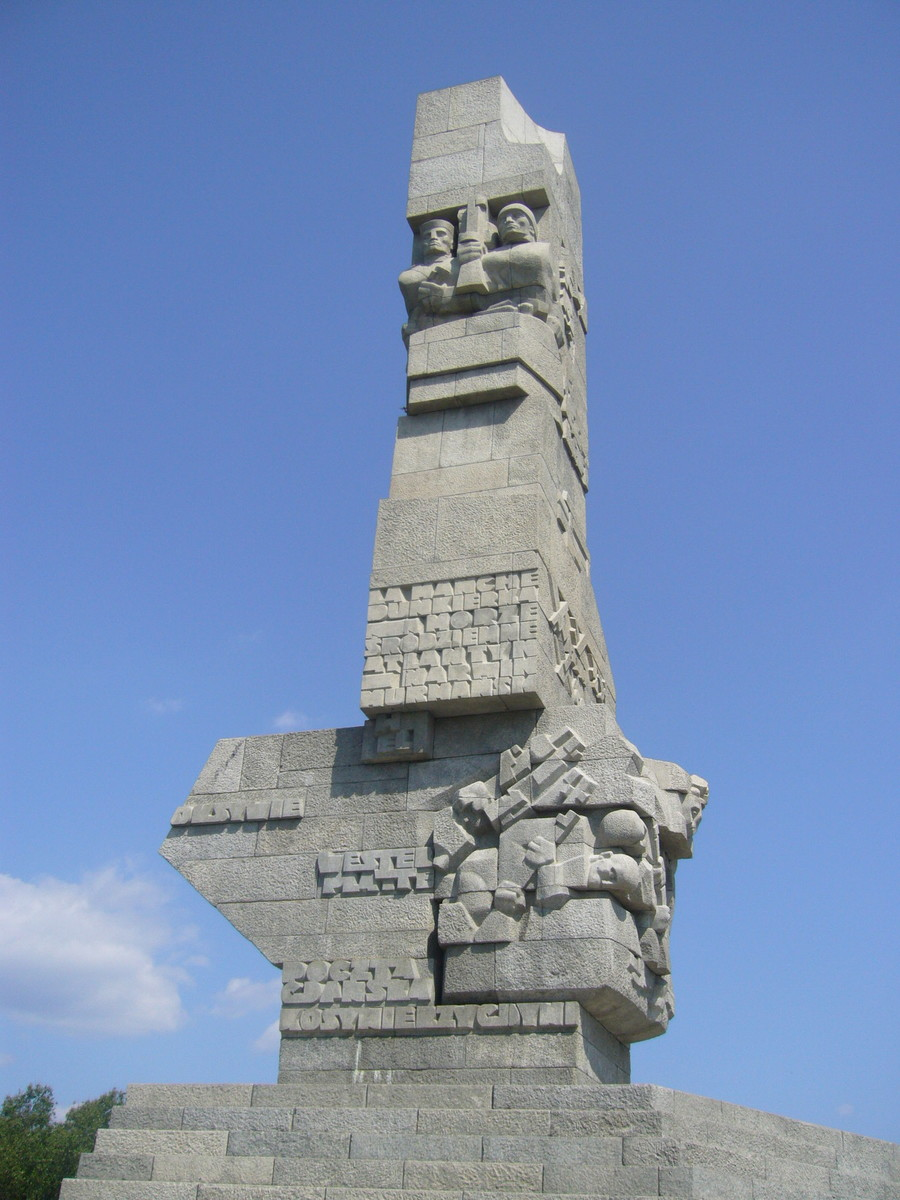 Gdańsk        Statue to the Defenders of Westerplatte