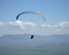 Paragliding in Kruševo