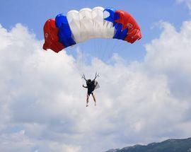 Skydive Lesce