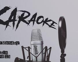 Monday Karaoke in Louis Music Club