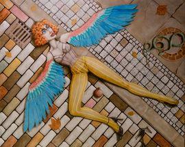 The Strength of Femininity. The Paintings by Resa Mashoodi