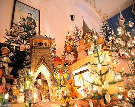 Mechanical Christmas Crib