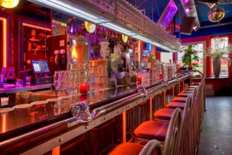 Bulldog palace coffeeshops amsterdam for Bulldog hotel amsterdam