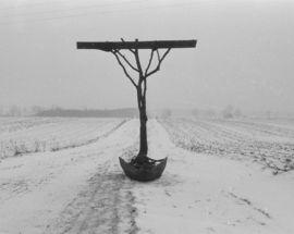 Krzysztof M. Bednarski Symbols of Life after Death: Commemorative Sculpture by Krzysztof M. Bednarski