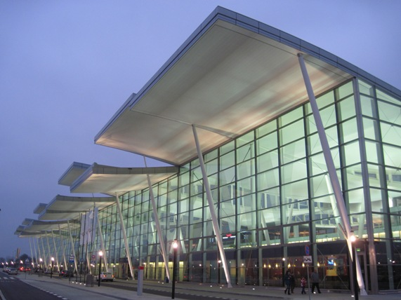Airport Wroclaw : Wrocław airport getting to