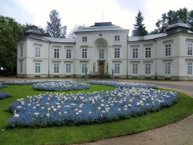 Myślewicki Palace Sightseeing Warsaw