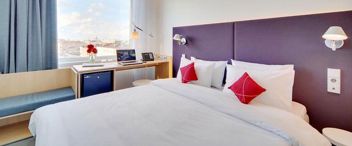 azimut hotel saint petersburg hotels st petersburg. Black Bedroom Furniture Sets. Home Design Ideas
