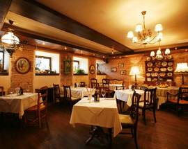 Piccolino restaurants cafes moscow for Piccolino hotel decor
