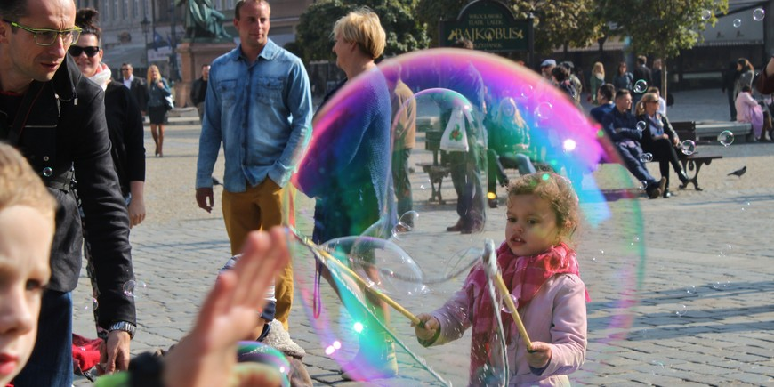 Bubble Magic on Wrocław's Market Square