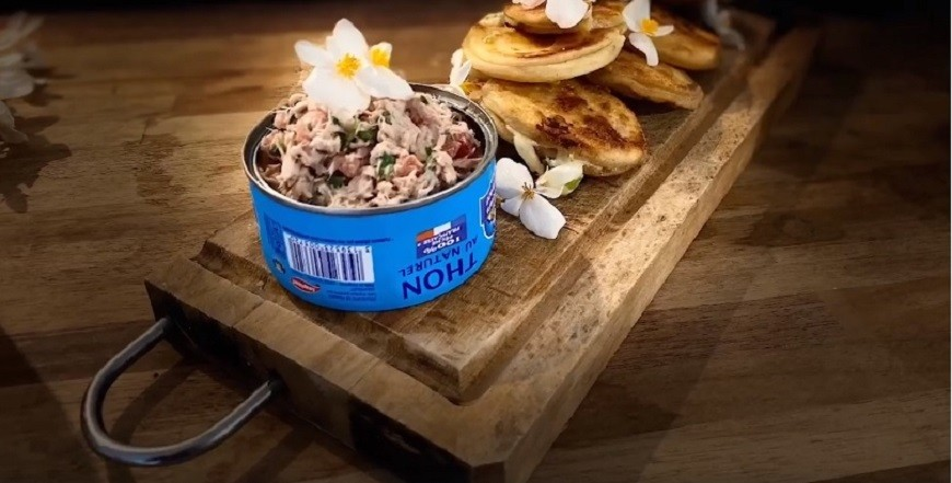 Cheese bread and tuna salad by Joey Atchama