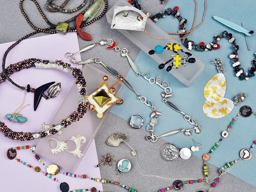 Contemporary jewellery from Tinsel Gallery