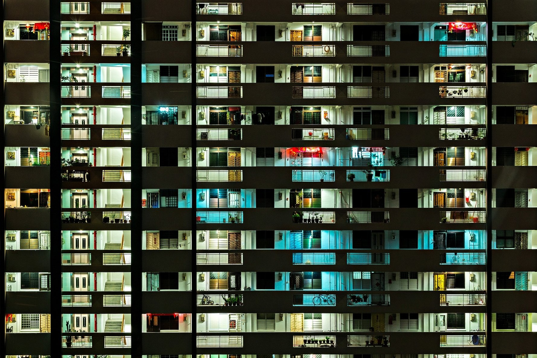 24 Hours in Singapore - Urban apartment block © xegxef from Pixabay