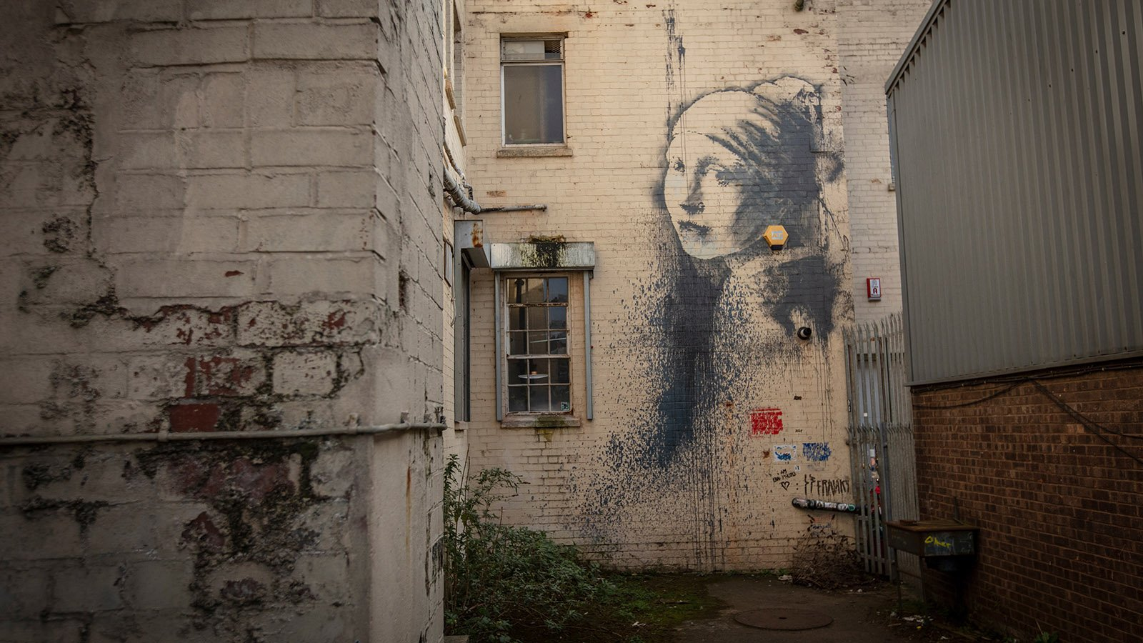 Guide to Finding Banksy in Bristol - Girl with a Pierced Eardrum (Homage to Vermeer)