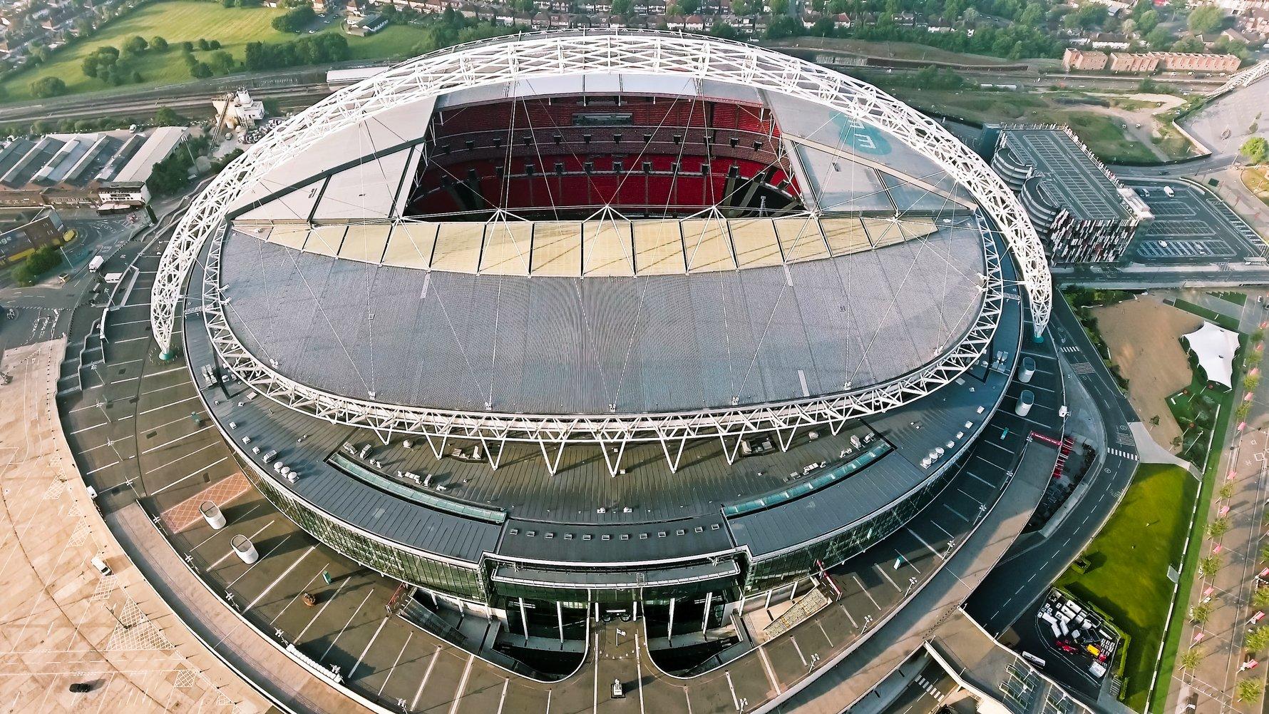 © PhotoLondonUK Shutterstock.com Wembley Stadium