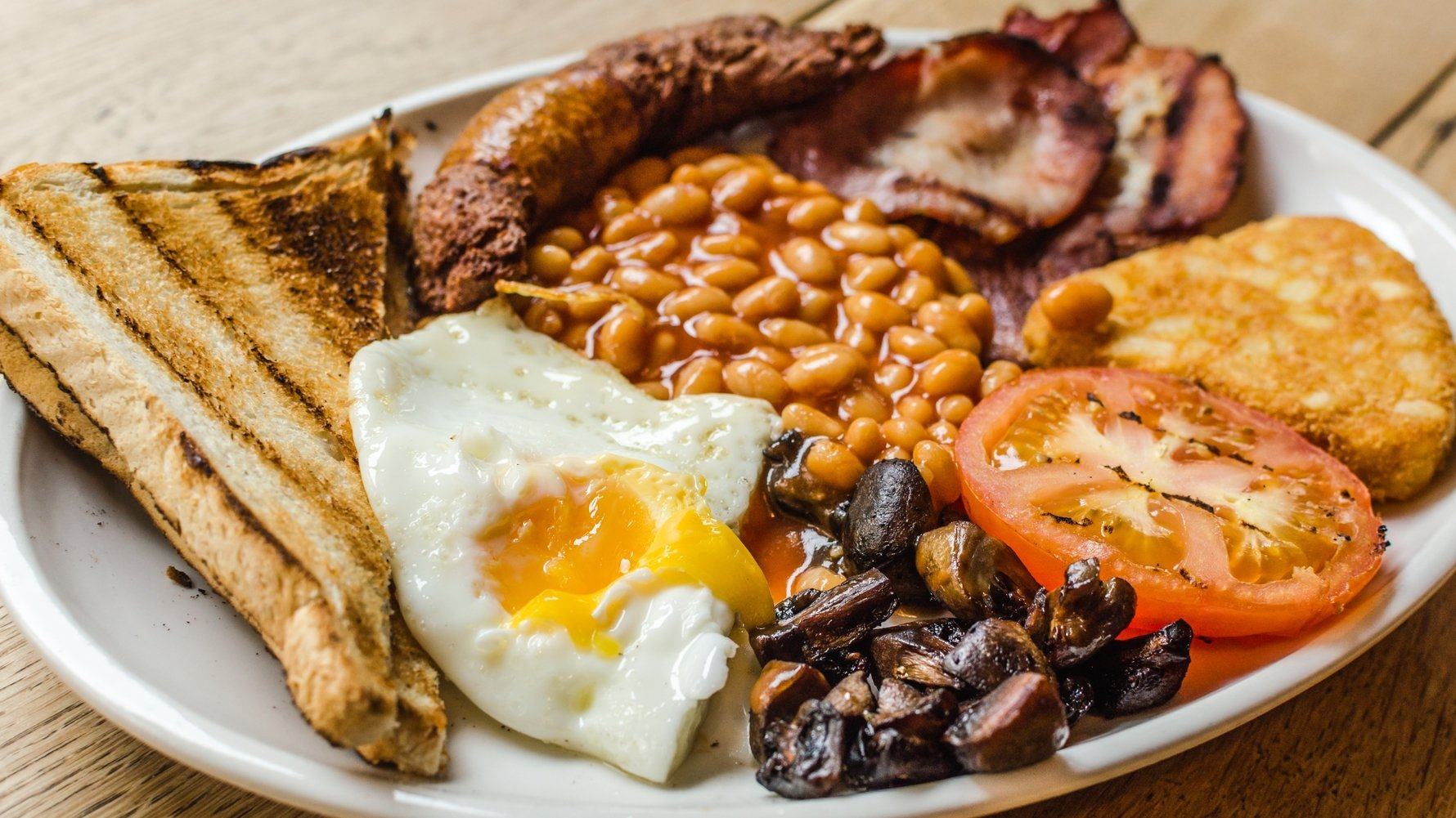 © valeriiaarnaud Shutterstock.com Full English Breakfast