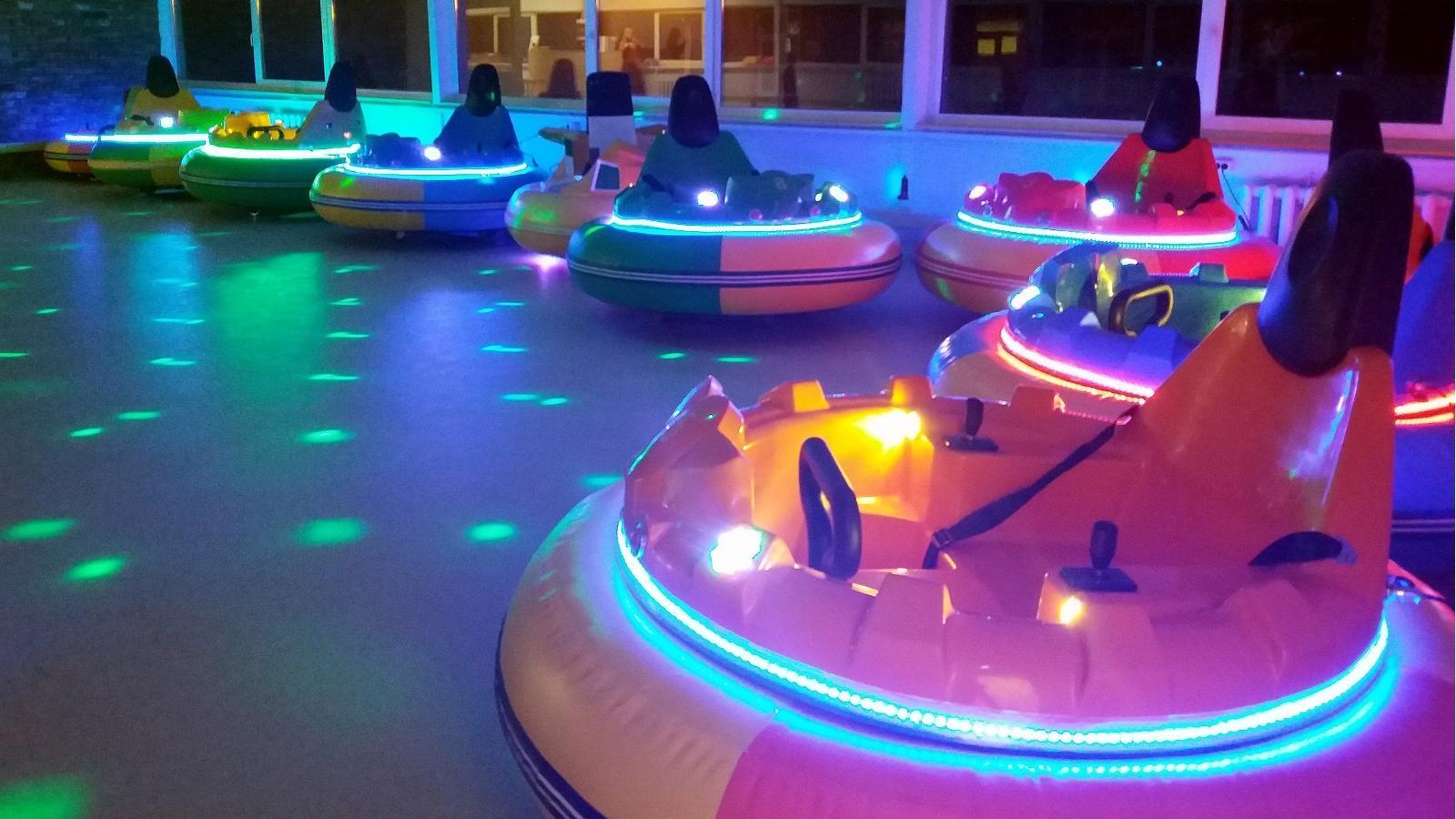 Hüppa play park UFO rides