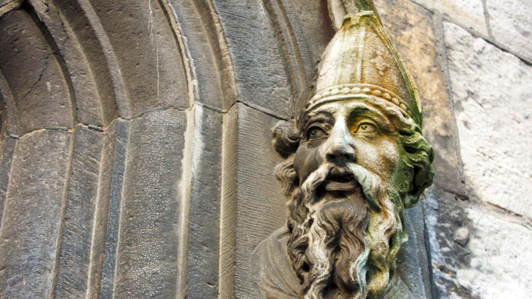 © Lesley Rigg  Shutterstock.com  St Patrick at Dublin Castle, Ireland