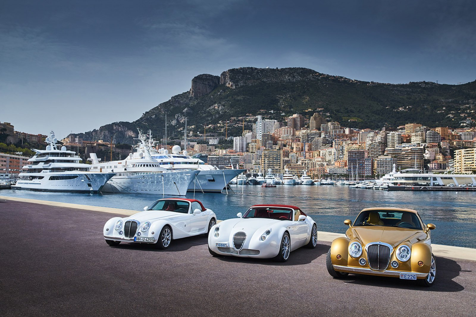 Luxury Cars in Monaco © Drozdin Vladimir - Shutterstock.com