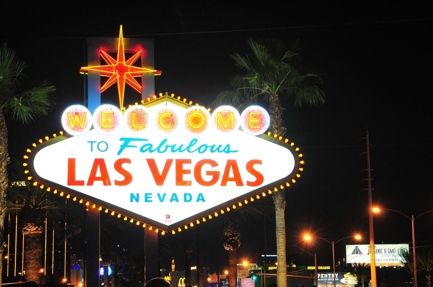 Top Gambling Destinations in the World - Las Vegas, USA © tookapic, Pixabay