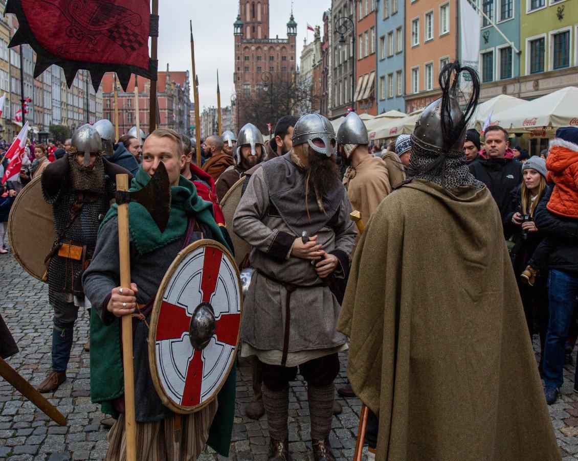 Medieval Reenactors on Indepence Day in Gdansk Old Town. Piotr Hukało / Trojmiasto_pl