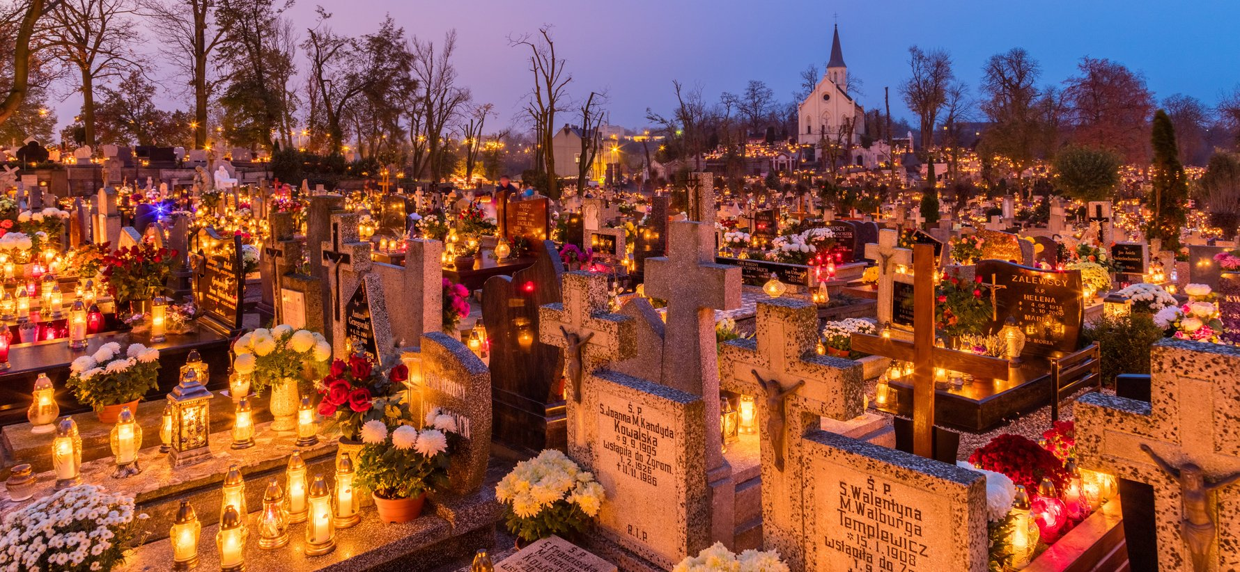 All Saints' Day in Gniezno, Poland. Diego Delso, delso.photo, License CC-BY-SA