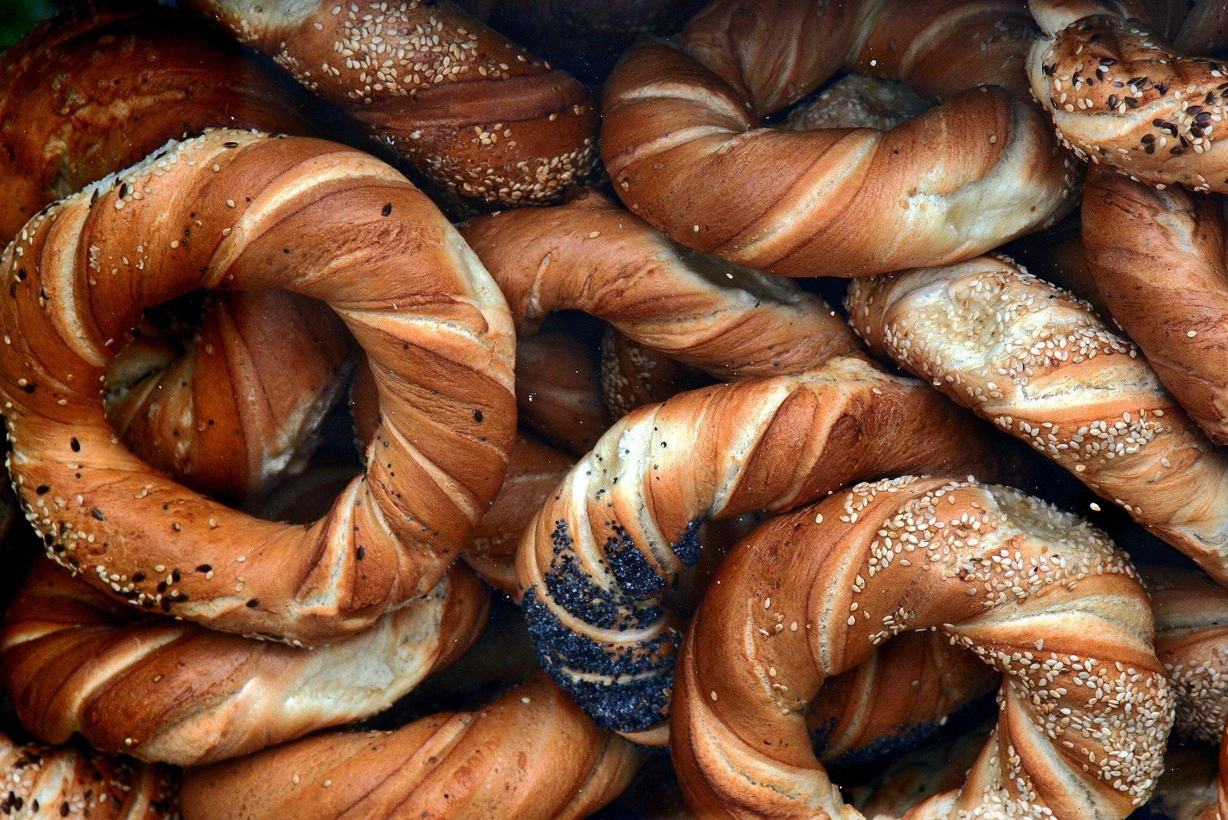 krakow essential eats: obwarzanki