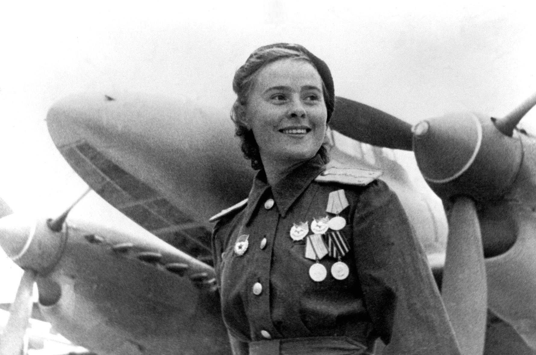 Famous Russian Women, Marina Raskova © Public Domain