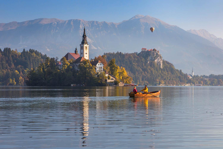 Blejsko jezero / Foto: Jošt Gantar / Bled Slovenia