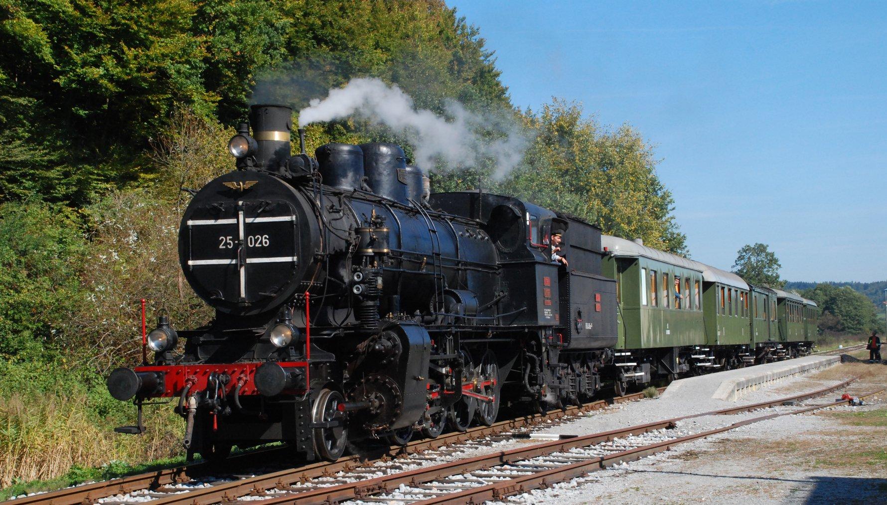 Train from Ljubljana to Bled © CC Ines Zgonc