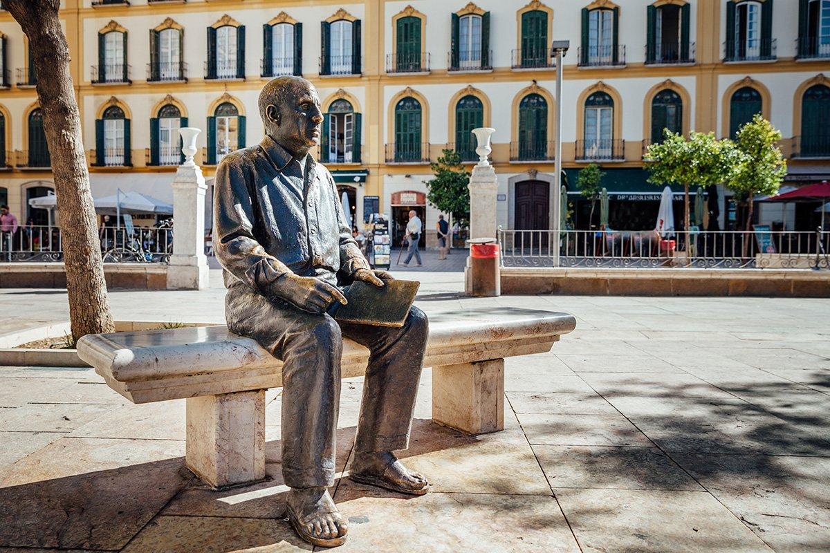 Pablo Picasso Statue in Malaga Spain © lucamarimedia / Shutterstock.com
